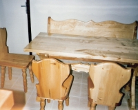 asztaloseger_uloke1